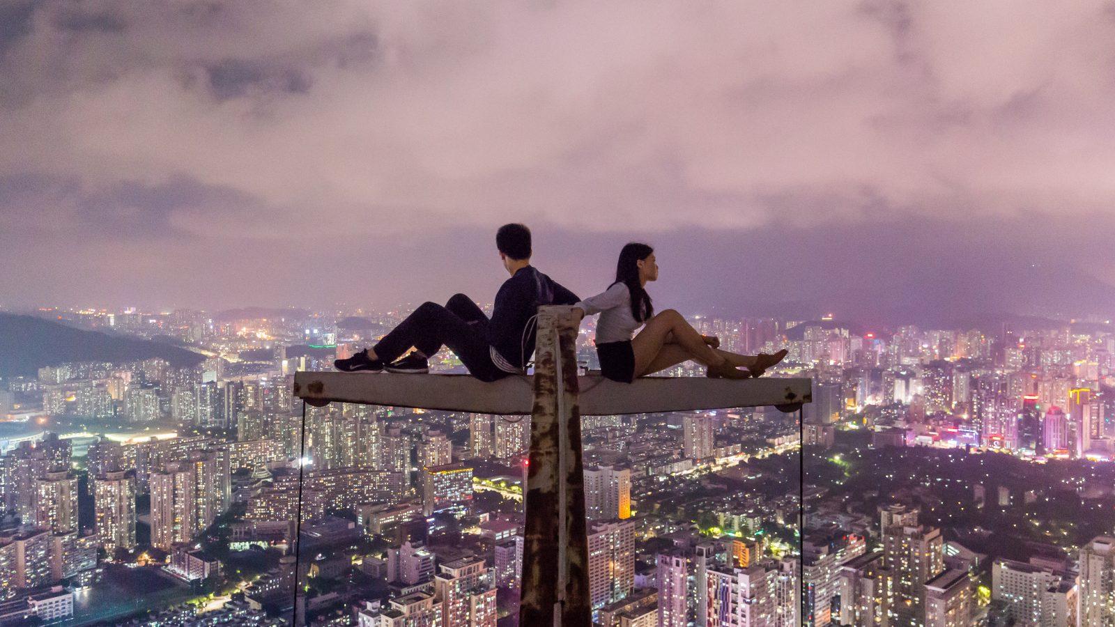 Todas las relaciones tienen una ley: nunca hagas sentirse sola a la persona que quieres, sobre todo cuando estás con ella