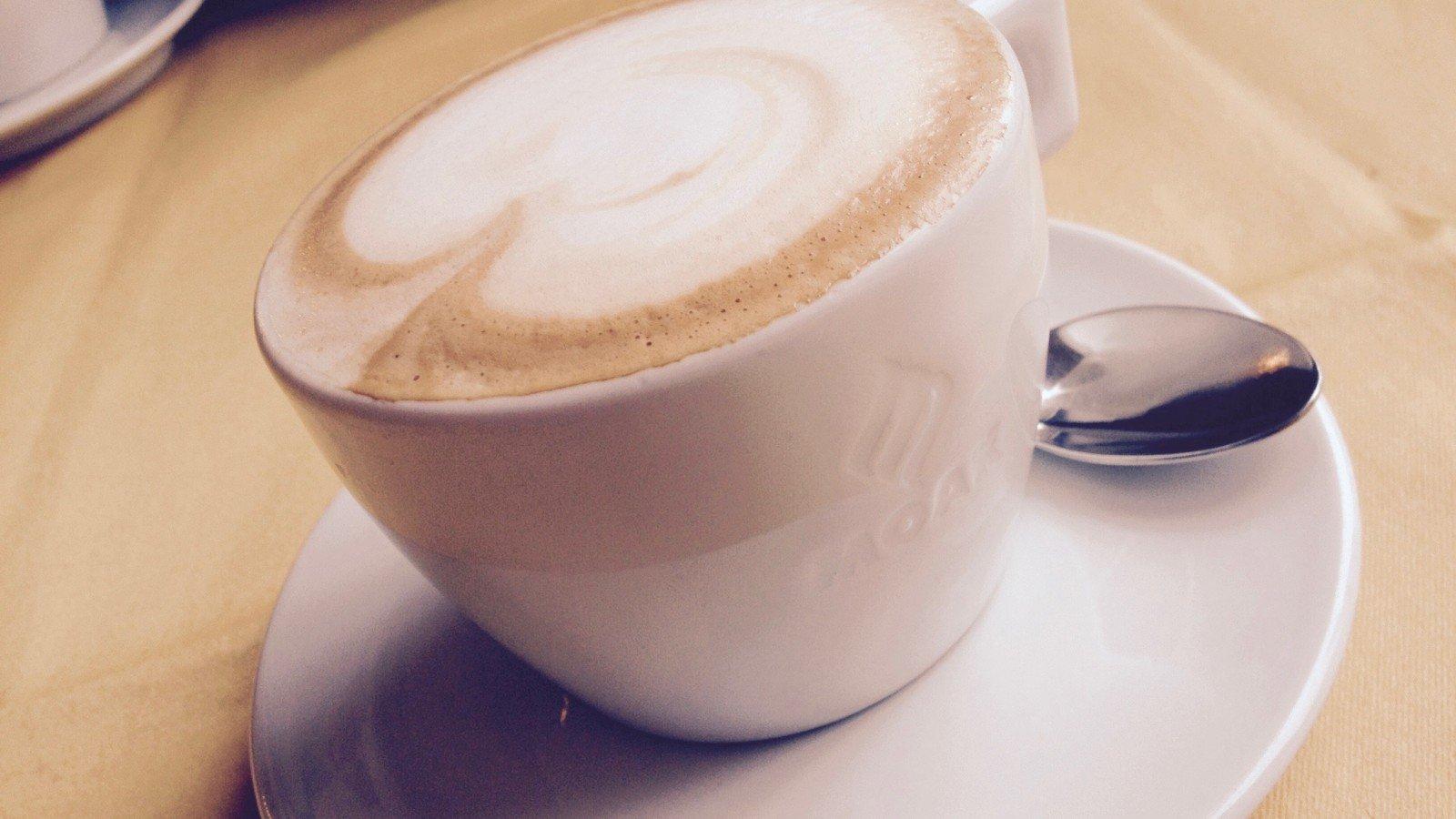 Estar casado mucho tiempo es un poco como ese café rico de todas las mañanas: puede que lo tome todos los días, pero lo disfruto igualmente